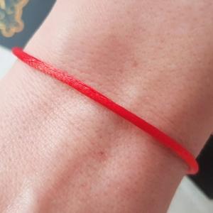 Оберег исполнения желаний. Как правильно завязать красную нить и надевать браслет?